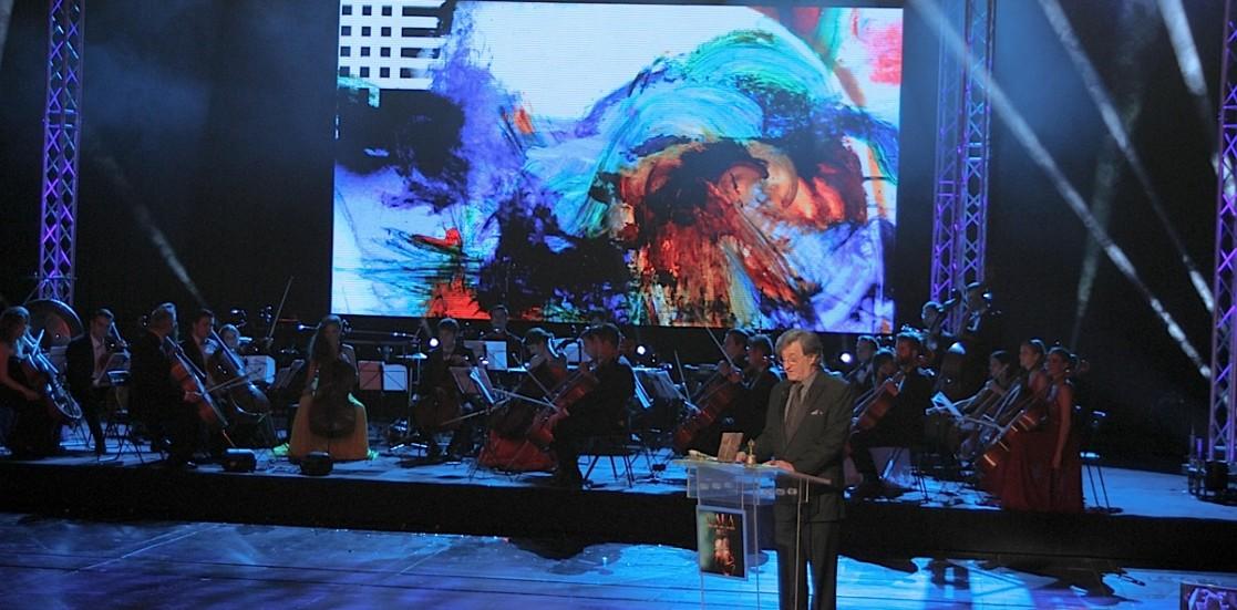 (Română) Premianţii Galei UNITER 2015, în imagini