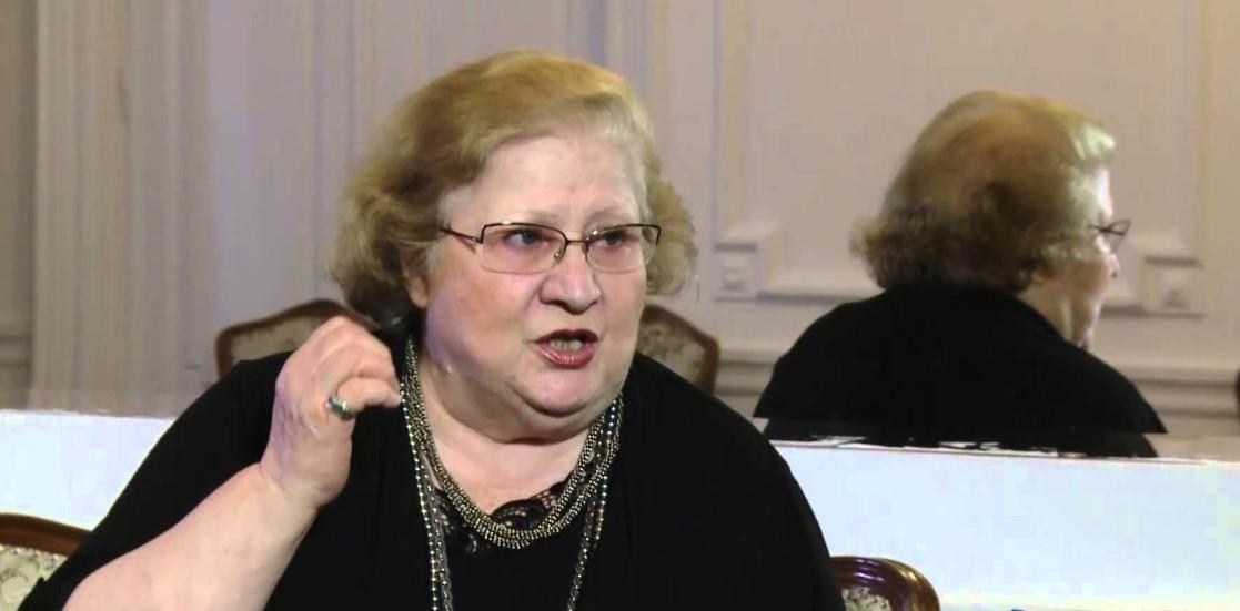 (Română) Personalități din lumea teatrului și-au arătat sprijinul pentru Dorina Lazăr la conferința de presă de la UNITER