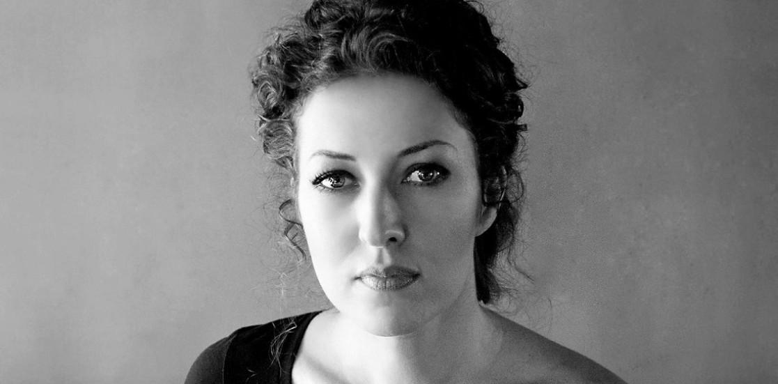 """Marcela Motoc, actriță: """"Teatrul e magic. Teatrul te face să înţelegi lumea dincolo de cuvinte, căci se adresează direct sufletului"""""""