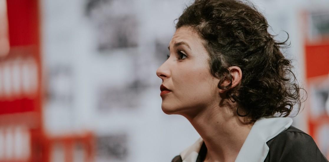 """(Română) Minodora Broscoi, actriță: """"Teatrul te face să rămâi conectat la societatea în care trăiești"""""""