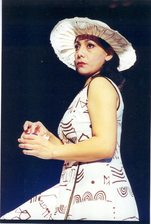 (Română) Clara Flores